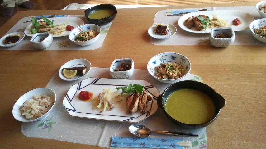 昼食を頂きました。